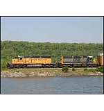 From the shores of beautiful Lake Nickajack/Tennessee River, CSX Q214 heads North. Poor feller.