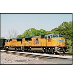 CSX Q583 S/B mixed freight. Now THAT'S how locomotives should be run, not hefalump style!